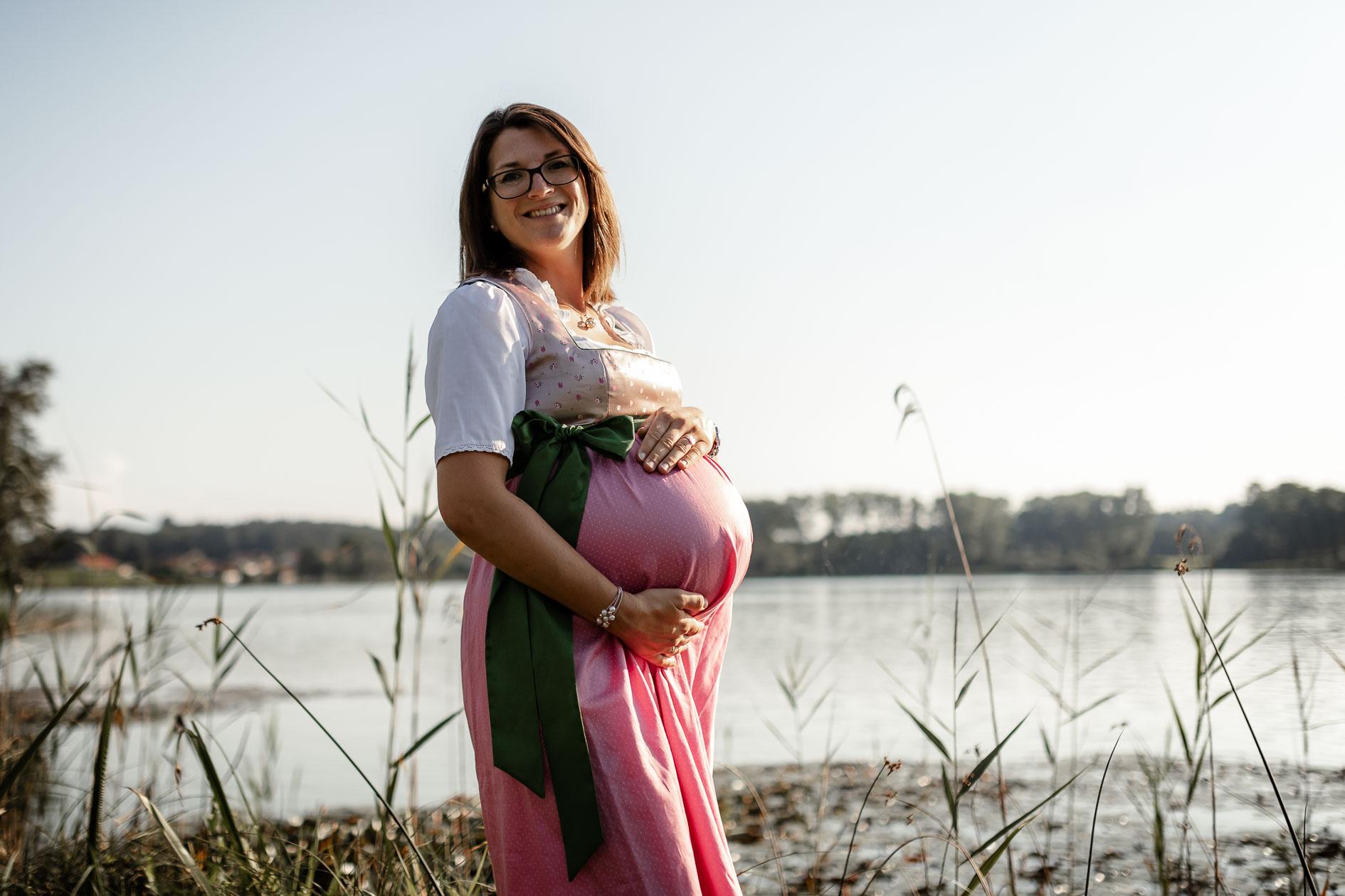 Babybauchfotografie Liebe im Bauch Die Lichtzeichnerin unterwegs am Seeoner See