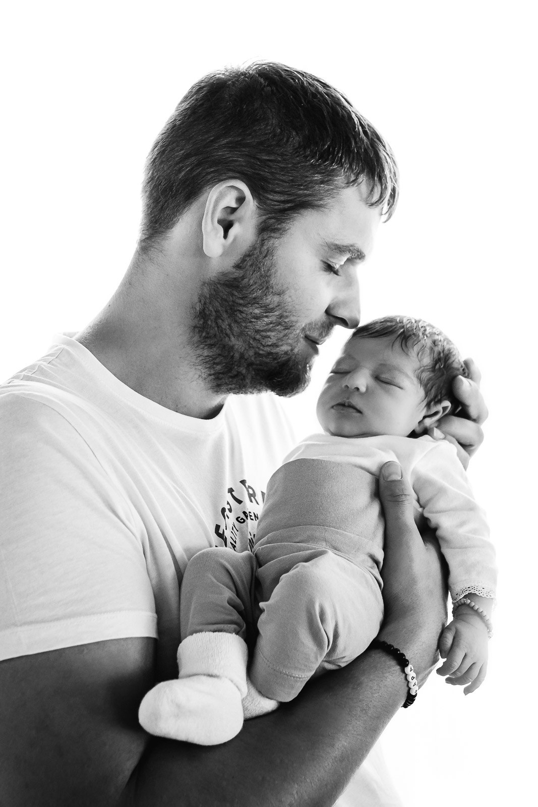 Newborn Session Pure Babyfotografie die Lichtzeichnerin Homestory Gegenlichtaufnahme